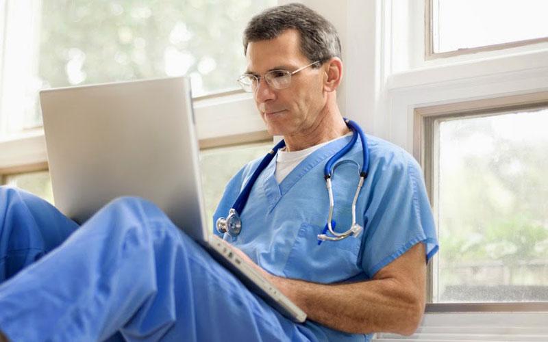 نقش شبکه های اجتماعی در بازاریابی پزشکی چیست؟